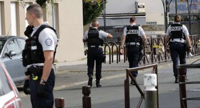 Car rams into crowd near school in Southern France