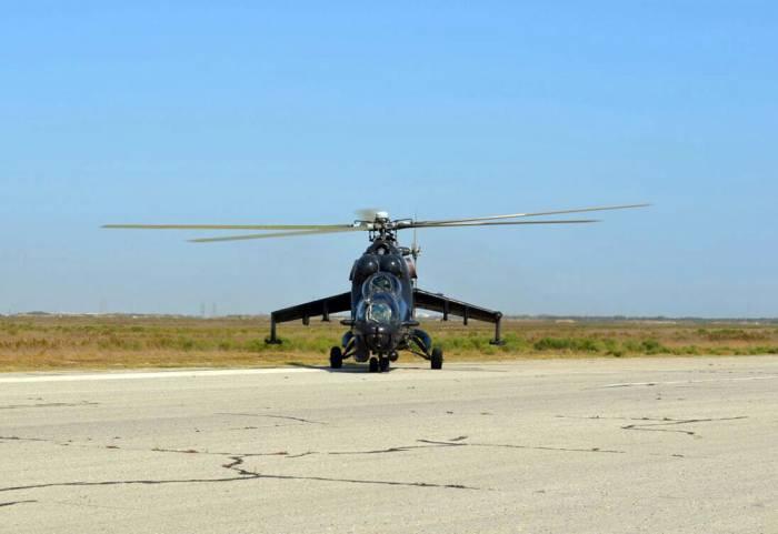 Hərbi təlimlərə döyüş helikopterləri də qoşuldu - Fotolar+Video