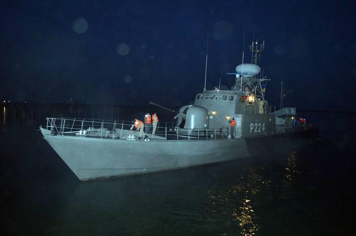 İranın hərbi gəmiləri Bakı limanını tərk edib