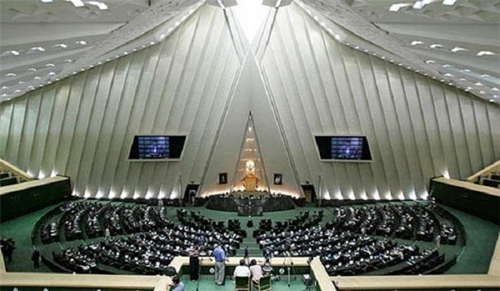 İranda azərbaycanlı deputatlara jest
