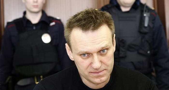 Russian opposition leader Navalny held ahead of March election