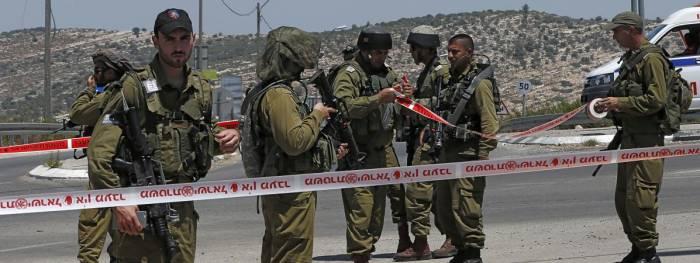 Un Palestinien attaque des soldats israéliens, est blessé par balles