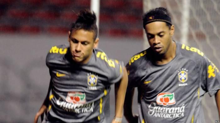 """Neymar sur les pas de Ronaldinho, dernier roi brésilien du """"clasico"""""""