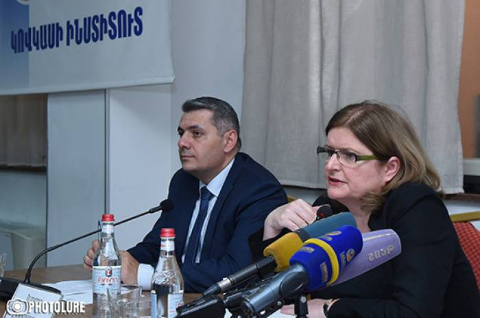 """""""Britaniya Minsk qrupunun səylərini dəstəkləyir"""" - Səfir"""
