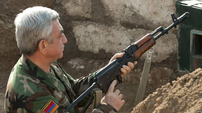 Aprel döyüşləri Ermənistan ordusunu parçalayır