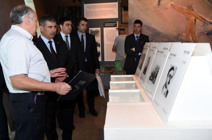 Azerbaijani Defense Minister visits Yad Vashem Holocaust memorial