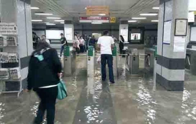 Bakıda metronu su basdı? - Açıqlama