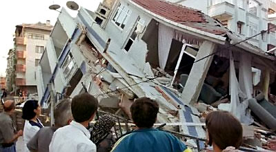 Məktəb binası dağıldı