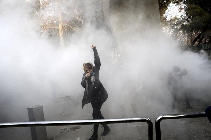 İranda etiraz aksiyaları - İki nəfər ölüb