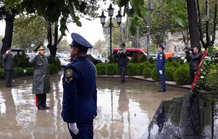 Nazir Heydər Əliyevin Tbilisidəki abidəsini ziyarət edib