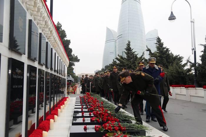 Les militaires rendent hommage à la mémoire des victimes du 20 Janvier