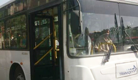 135 nömrəli avtobus yanıb