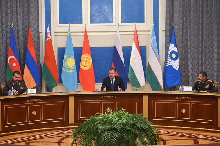 Zakir Həsənov Tacikistan prezidenti ilə görüşdə - Yenilənib