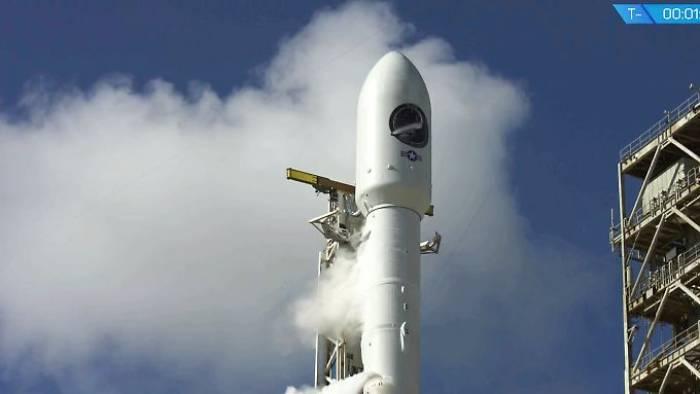 SpaceX schickt erstmals Drohne ins All