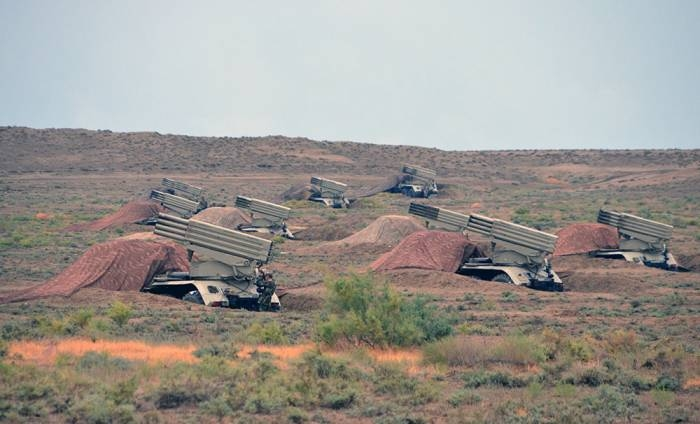 Rocket, artillery formations of Azerbaijani Army stage live-fire drills - VIDEO