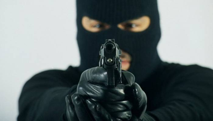 Ermənistanda kredit təşkilatına silahlı basqın olub