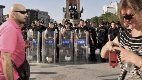 Etirazçılar yenə İstanbul küçələrində
