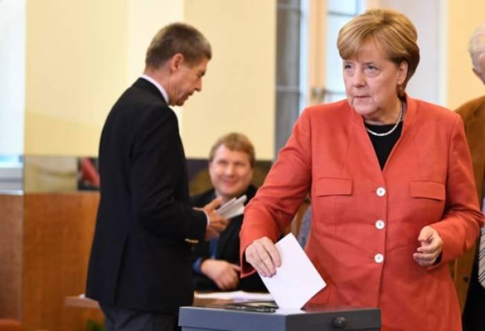 Erste Hochrechnung: CDU und SPD verlieren deutlich, AfD bei 13,4 Prozent