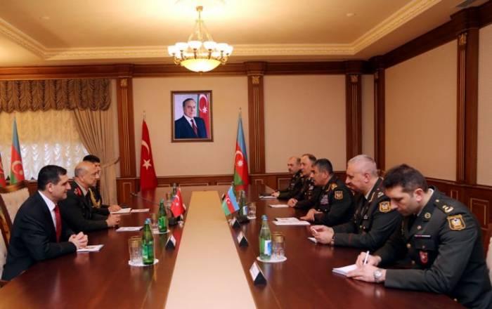 Azərbaycan-Türkiyə hərbi əməkdaşlığı müzakirə edilib