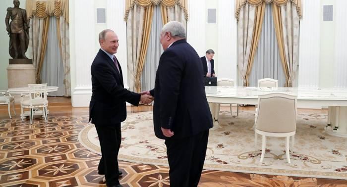 Yuri Xaçaturov Putinin qəbulunda