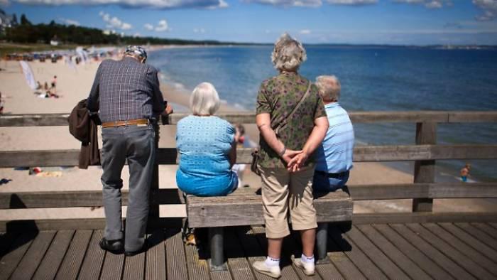 Deutsche beziehen fast 20 Jahre Rente