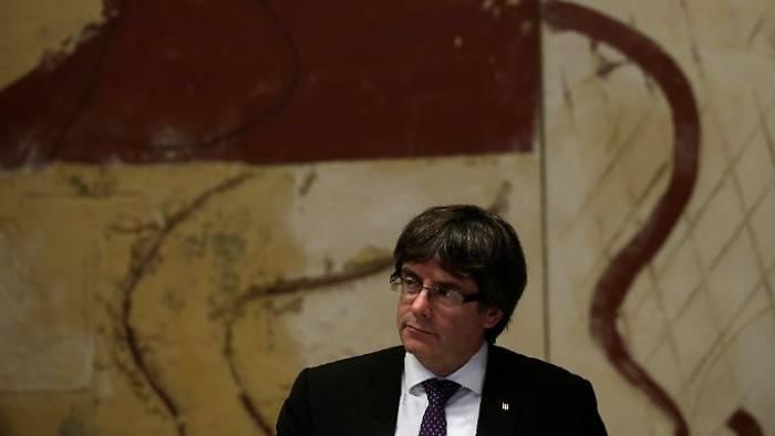 Madrid will Katalanen an die Kette legen