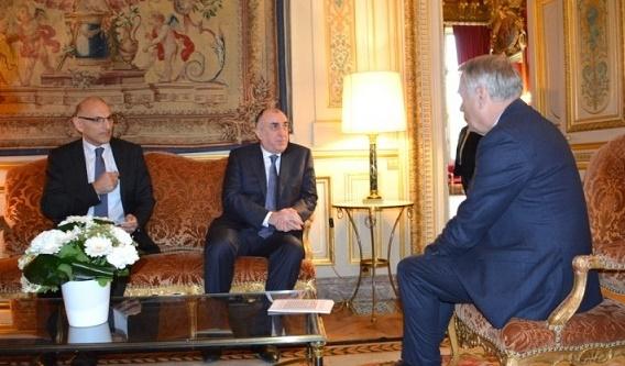 Les ministres des affaires étrangères azerbaïdjanais et français discutent du conflit du Haut-Karabakh