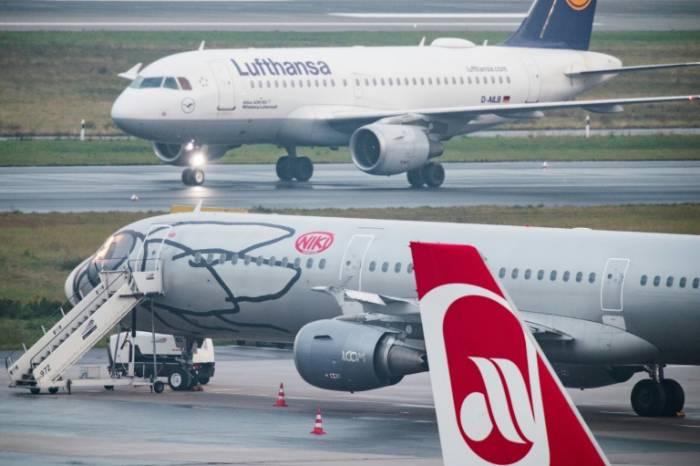 Lufthansa lâche Niki et cloue ses avions au sol