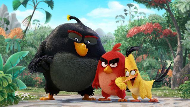 Quşlar yaşıl donuzlara qarşı - `Angry Birds`-ün yeni treyleri (VİDEO)