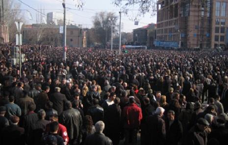 Ermənistanda etiraz aksiyaları genişlənir