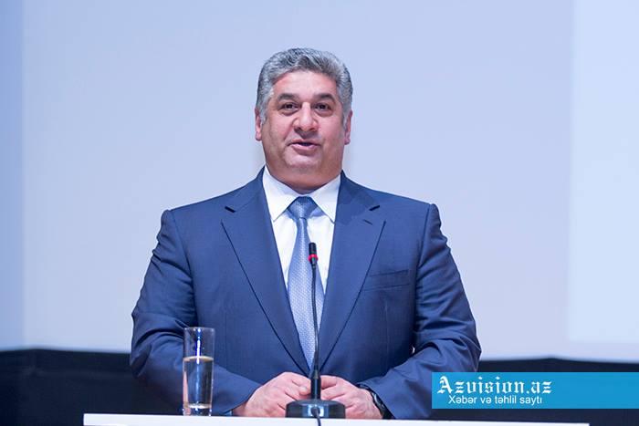 Azad Rəhimov Türkmənistana gedib