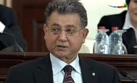 """""""Təhsillə elmin vəhdəti zəruridir"""" - Akif Əlizadə"""