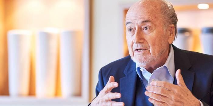 """Blatter assistera au Mondial en Russie à """"l'invitation de Poutine"""""""