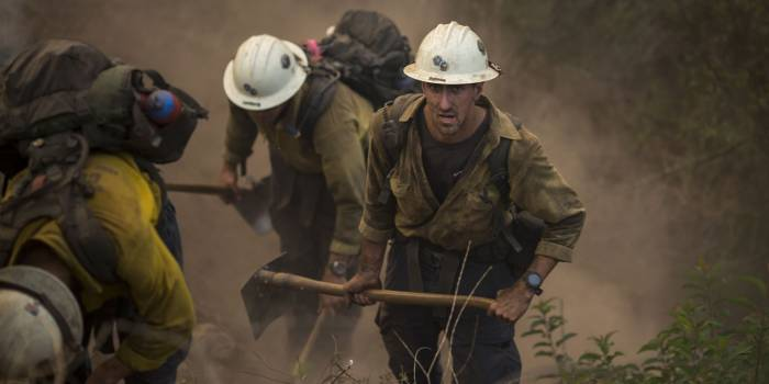 Californie : l'incendie Thomas contenu à 60%