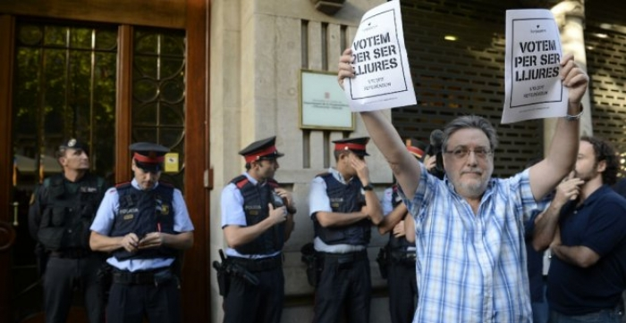 Spanish police arrest top aide to Catalan vice-president