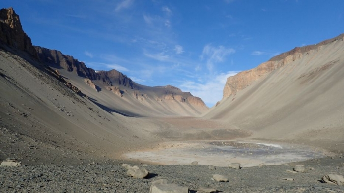 Water on Mars? Salty Antarctic pond could reveal clues