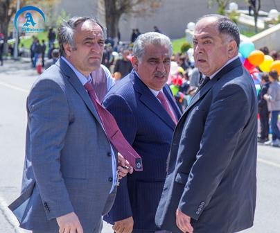 Əhəd Abıyev jurnalistə necə kələk gəldi-YENILƏNDI