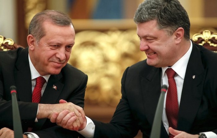 Erdogan falls asleep during press-conference with Poroshenko - NO COMMENT