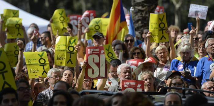 Le gouvernement espagnol et les Socialistes conviennent de tenir des élections en Catalogne