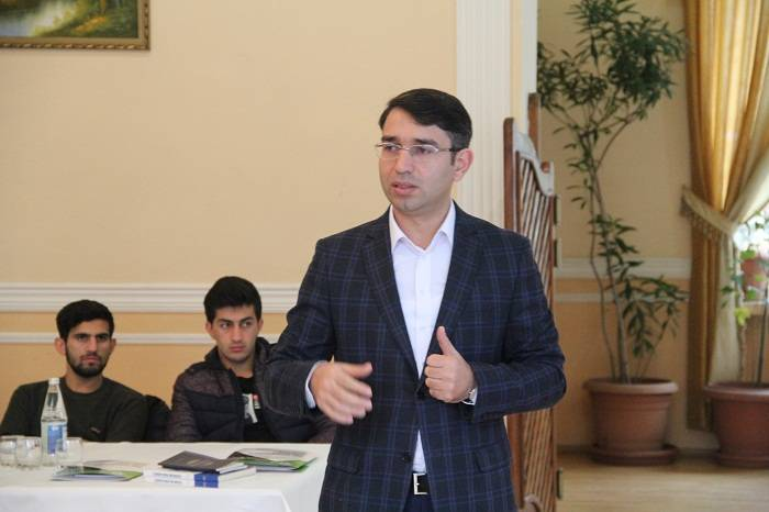 """""""İslam Azərbaycançılığa qarşı qoyulur"""" - Gündüz İsmayılov"""