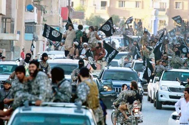 ISIL linked leader trapped, heavy Philippine fighting