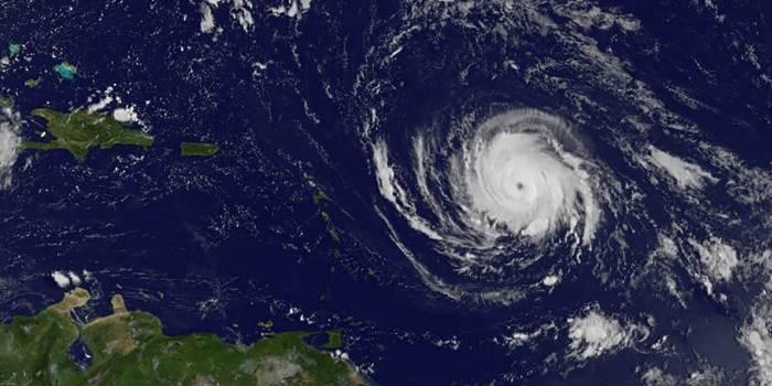 L'ouragan Irma passe en catégorie maximale de 5