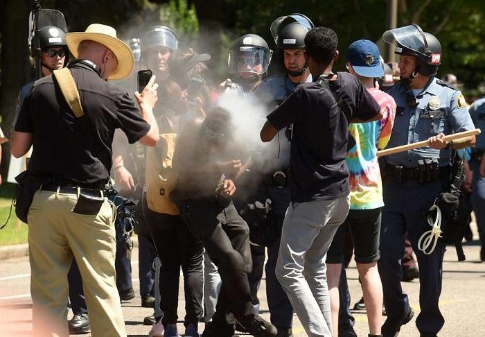 Una protesta contra los peajes en Lima termina en violencia