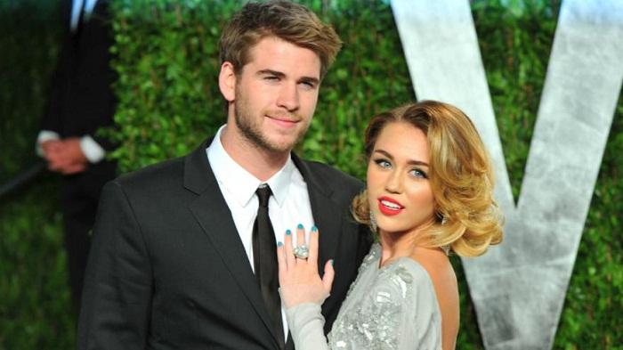 étaient Miley Cyrus et Liam Hemsworth datant avant la dernière chanson histoire radiométrique datant