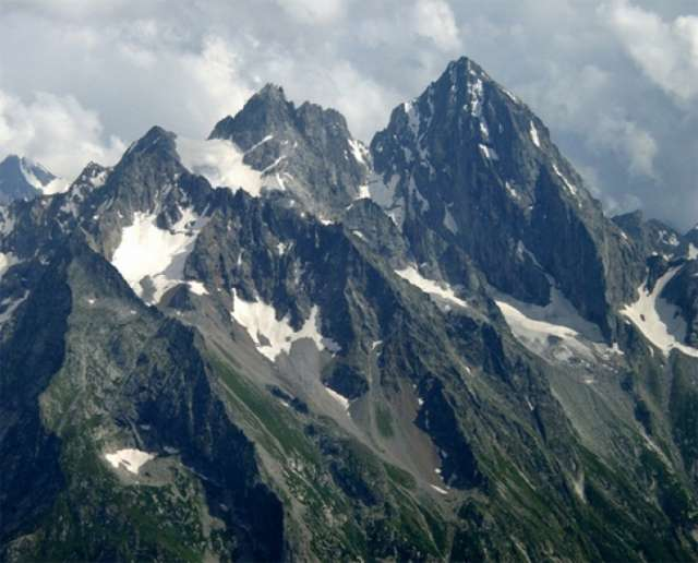 More rescuers dispatched for searching missing Azerbaijani mountaineers