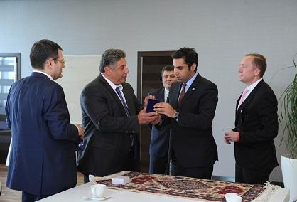 Azad Rəhimov BMT-nın xüsusi elçisi ilə görüşüb