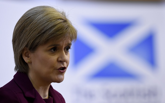Sturgeon says time to push for UK to stay in single market after Brexit