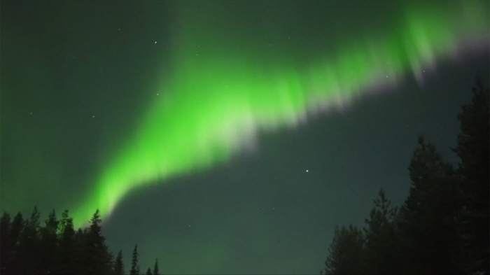 Striking Northern Light display over northern Finland - NO COMMENT