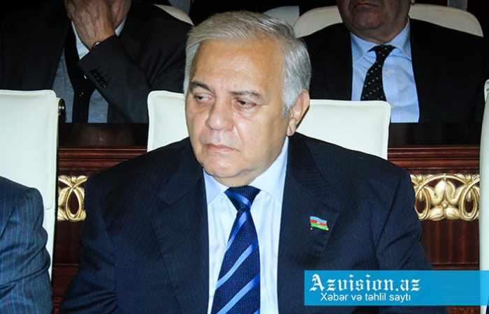 Oqtay Əsədov deputatları Rusiyaya aparıb