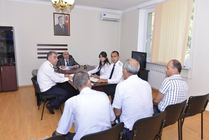 Baş prokuror Qaxda vətəndaşları qəbul edib